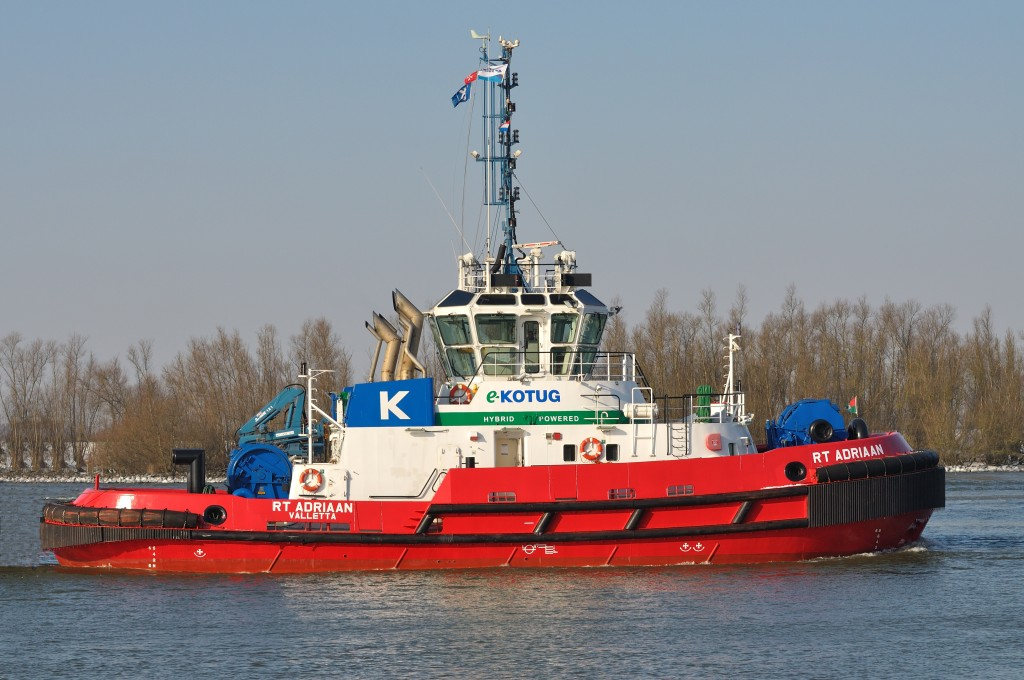 A boat of a different colour: Hybrid tugboats are welcomed by industry