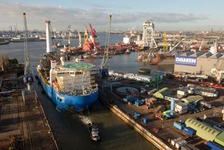 Docking Global 1200 - DSR - Hans Sloot fotografie